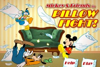 Graj w Mickey And Friends in Pillow Fight